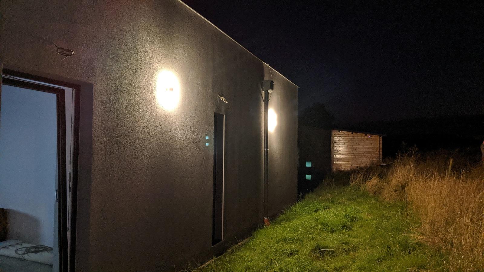 Montáž venkovních světel svépomocí