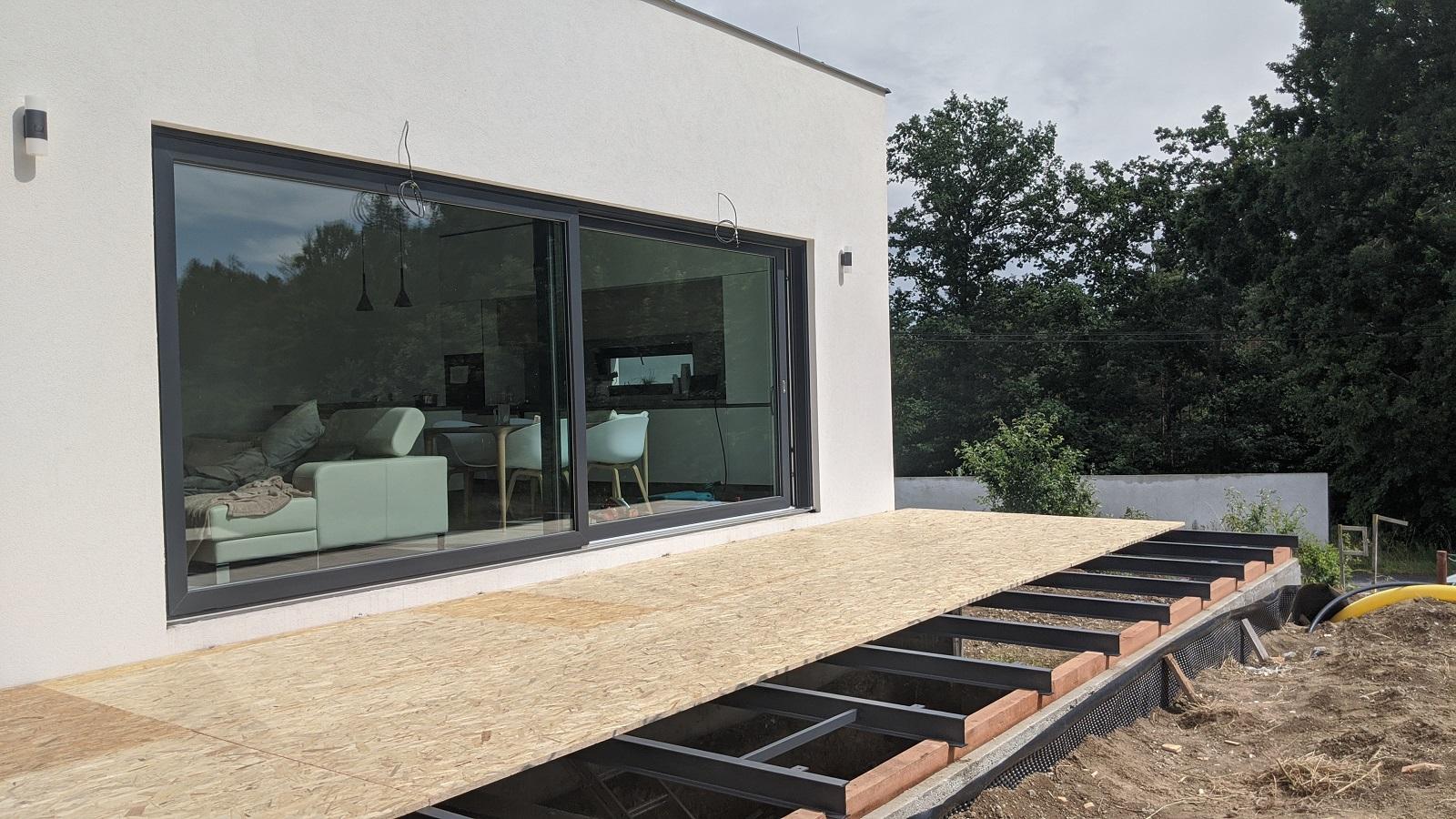 Stavba nosné konstrukce terasy z OSB desek