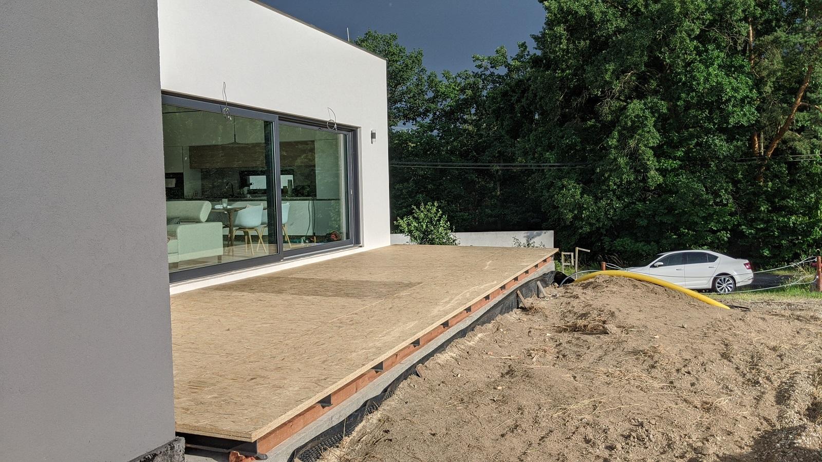 Stavba základové konstrukce terasy svépomocí