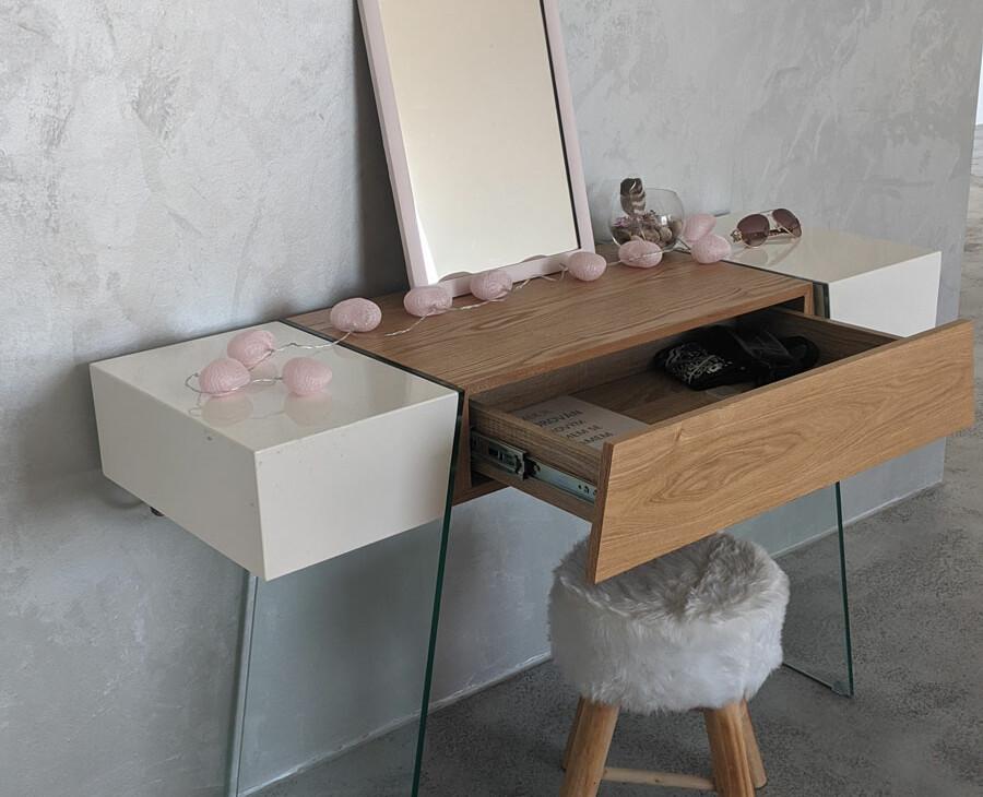 Luxusní toaletní stolek na prodej